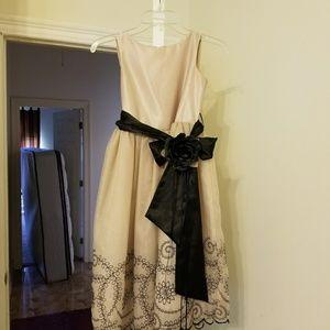 Dresses & Skirts - Girls holiday dress